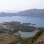 0505-na-grebenu-pogled-na-jezeri