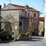 08. dimnik in spahnjenca ( prizidek v katerem se nahaja odprto ognjišče ) značilnost primorskih kamnitih hiš